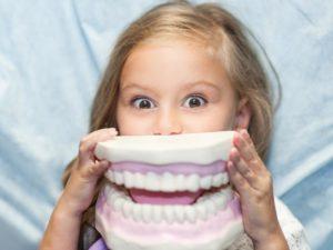Протезирование зубов детям с 3-х лет