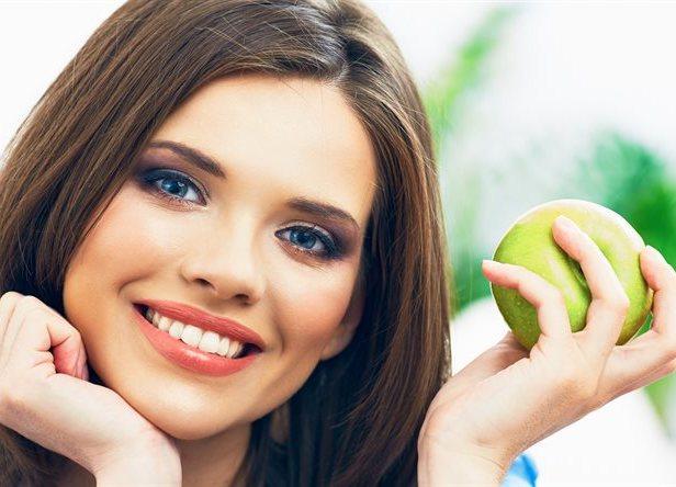 Эстетическая реставрация зубов. Показания к процедуре. В чем отличия от пломбирования зуба?