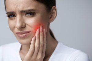 Почему болит зуб после пломбирования? Что делать?