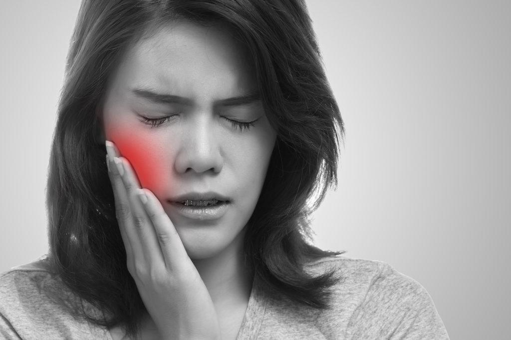 Болит зуб после лечения. Что делать?