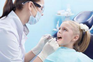 Лечение зубов детям в Харькове
