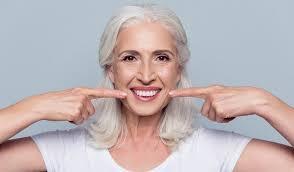 Установка имплантов. Что полезно знать про имплантацию зубов?